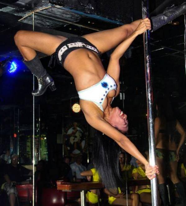 Sexy Filipina Stripperin